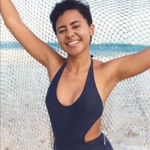 ✨ AERIE CUT OUT ONE PIECE SWIMSUIT✨
